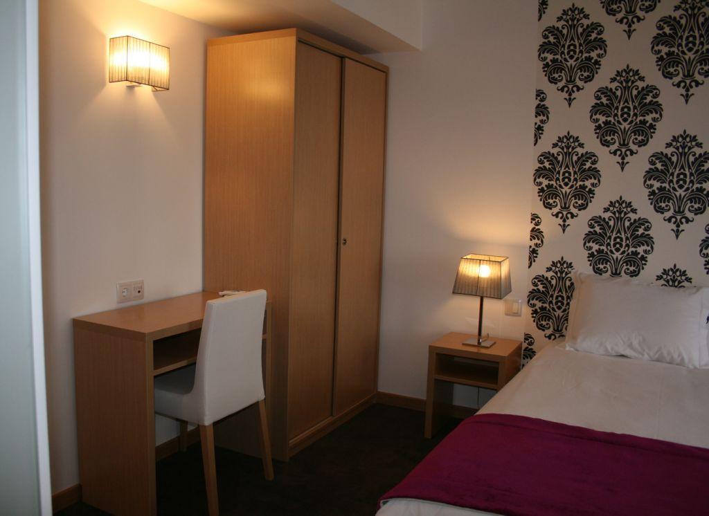 hotel genesis 2